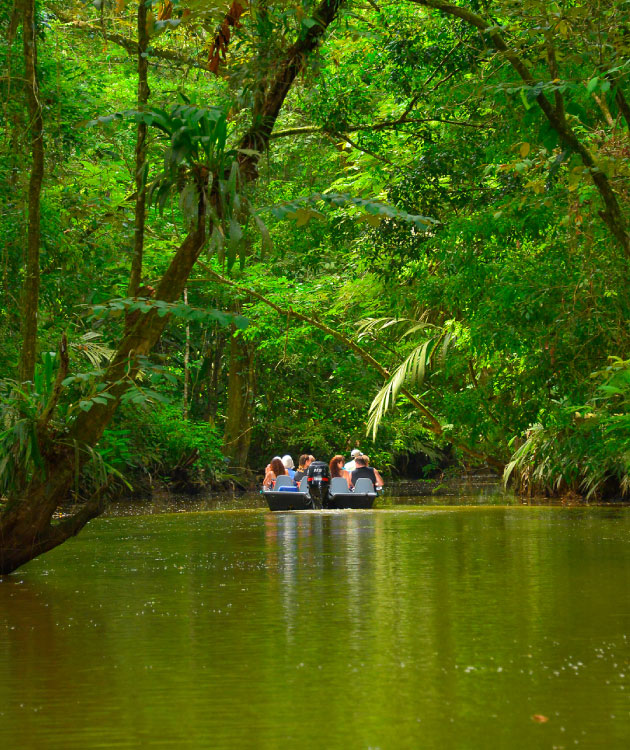 Tortuguero-is-a-great-place-for-kids-whatever-the-age!