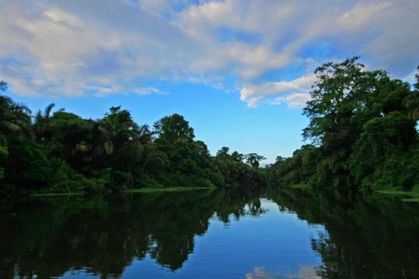 THE IMPORTANCE OF ECOTOURISM FOR COSTA RICA AND THE WORLD