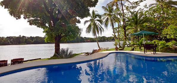 TORTUGUERO, COSTA RICA: THE PERFECT COMBINATION OF PEACE AND ADVENTURE VACATIONS